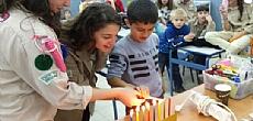 חוגגים חנוכה באולפני עברית ברמת גן